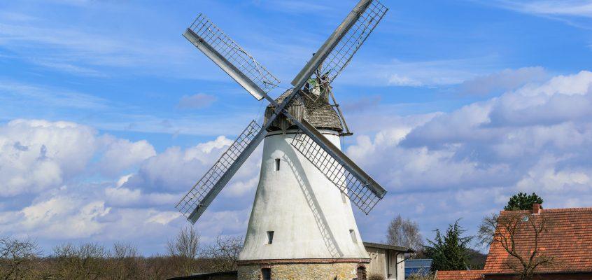 Windmühlen, die einer Marke Auftrieb geben