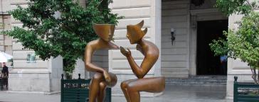 Gespraech Statue