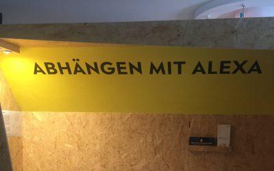 Abhängen mit Alexa im Shopping Lab Aachen